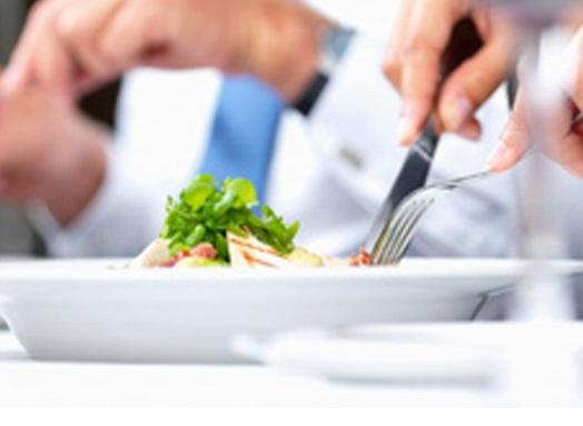 Способствует ли еда установлению хороших отношений с коллегами и партнерами?